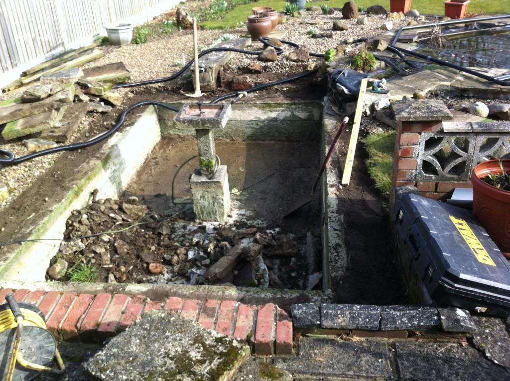 Repariing a concrete pond